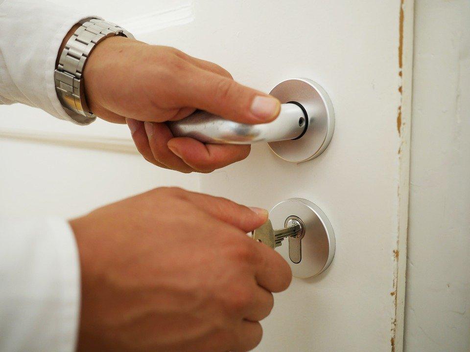 ouvrir porte serrure